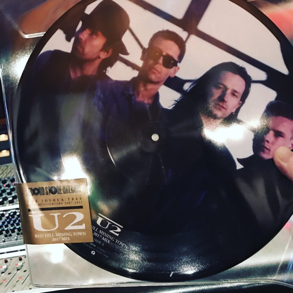 u2-red-hill-mining-town-picture-disc
