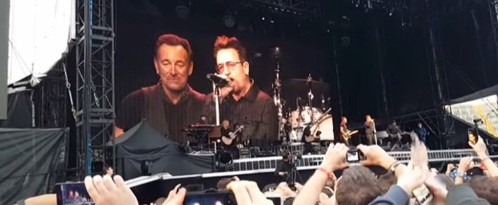 Bruce_Springsteen_Bono_Because_The_Night_Dublin